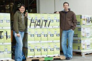 Соларни батерии и соларно осветление за пострадалите от земетресението в Хаити