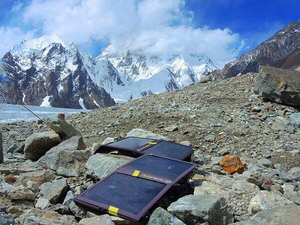 Енергия за алпинистите в базовите лагери